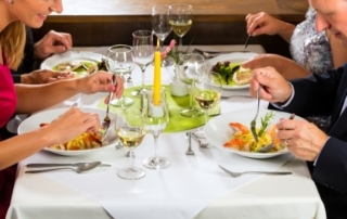 healthy eating meal plan and restaurant dining
