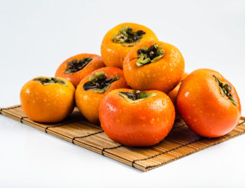 To Lower Your Blood Pressure Naturally, Eat a Persimmon a Day