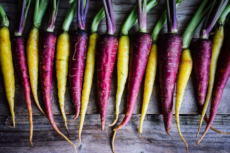 holistic nutritionist recommends colorful salads purple carrots